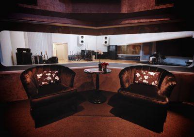 larrabee schnee studios